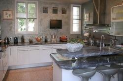 cuisine moderne dans maison ancienne ventana blog. Black Bedroom Furniture Sets. Home Design Ideas
